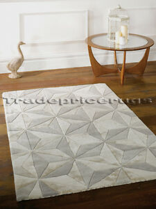 BOTANICAL-SCORPIO-NATURAL-BEIGE-IVORY-GREY-TRIANGLES-THICK-CHUNKY-SOFT-WOOL-RUG