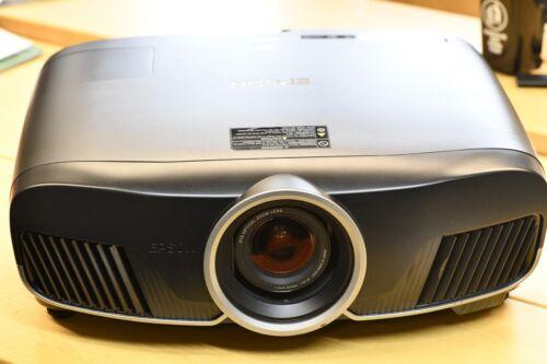 Epson-Eh-tw9300-2500-ANSI-3lcd-Full-HD-4k-Enhanced-Home-Cinema-Projector