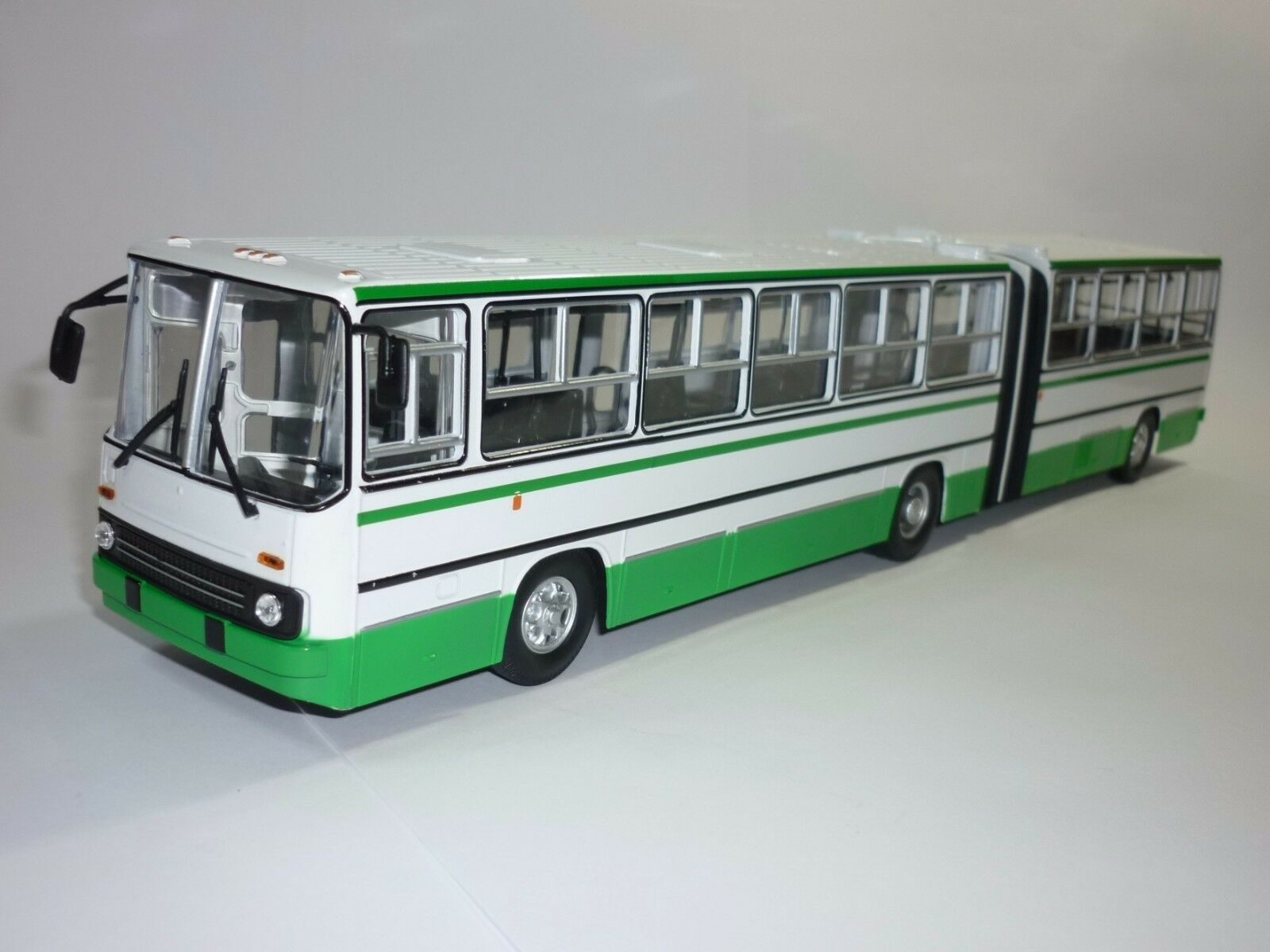 1:43 Soviet Bus Ikarus - 280 USSR 1985