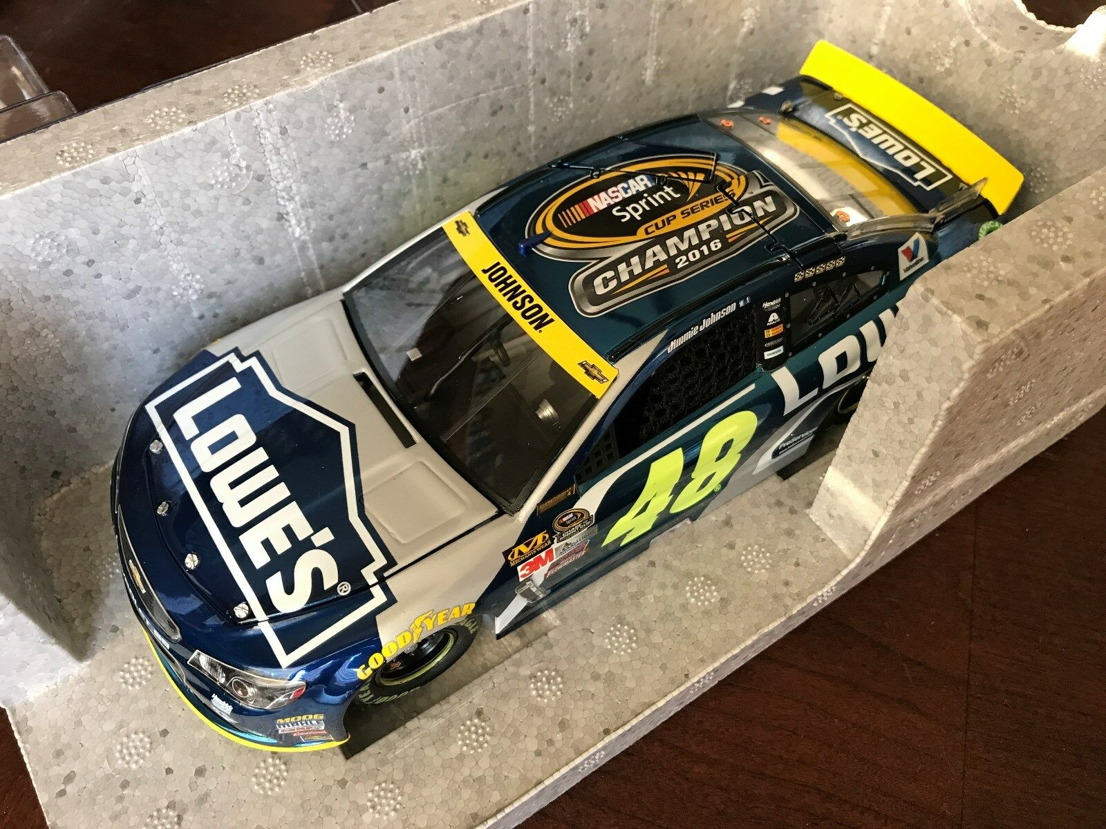 2016 Jimmie Johnson Lowes 7x Cup Champion Champ Farbe Chrome ELITE car 1 of 113