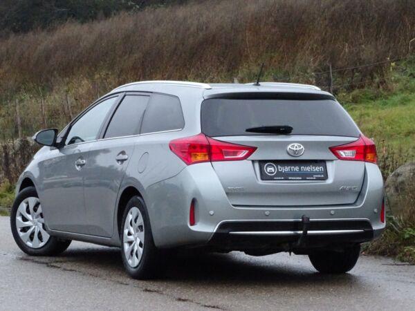Toyota Auris 2,0 D-4D T2 Touring Sports billede 3