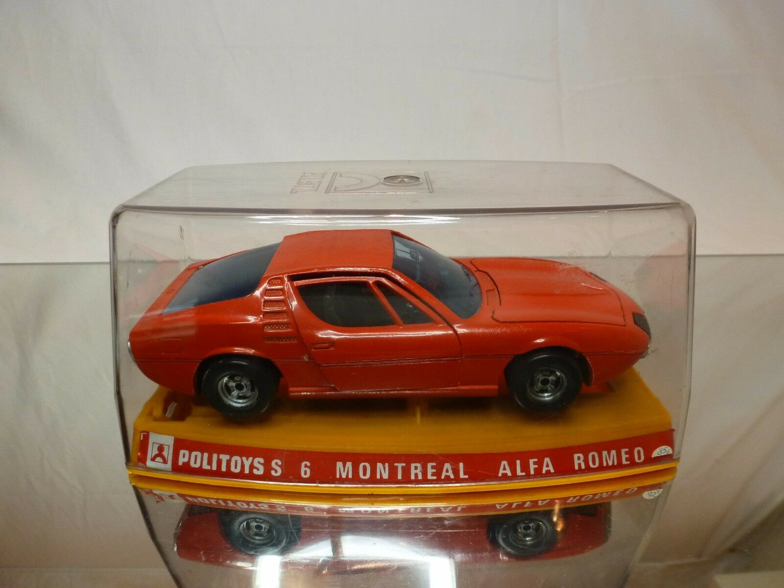 POLITOYS S6 ALFA ROMEO MONTREAL - rojo 1 25 - GOOD CONDITION IN BOX