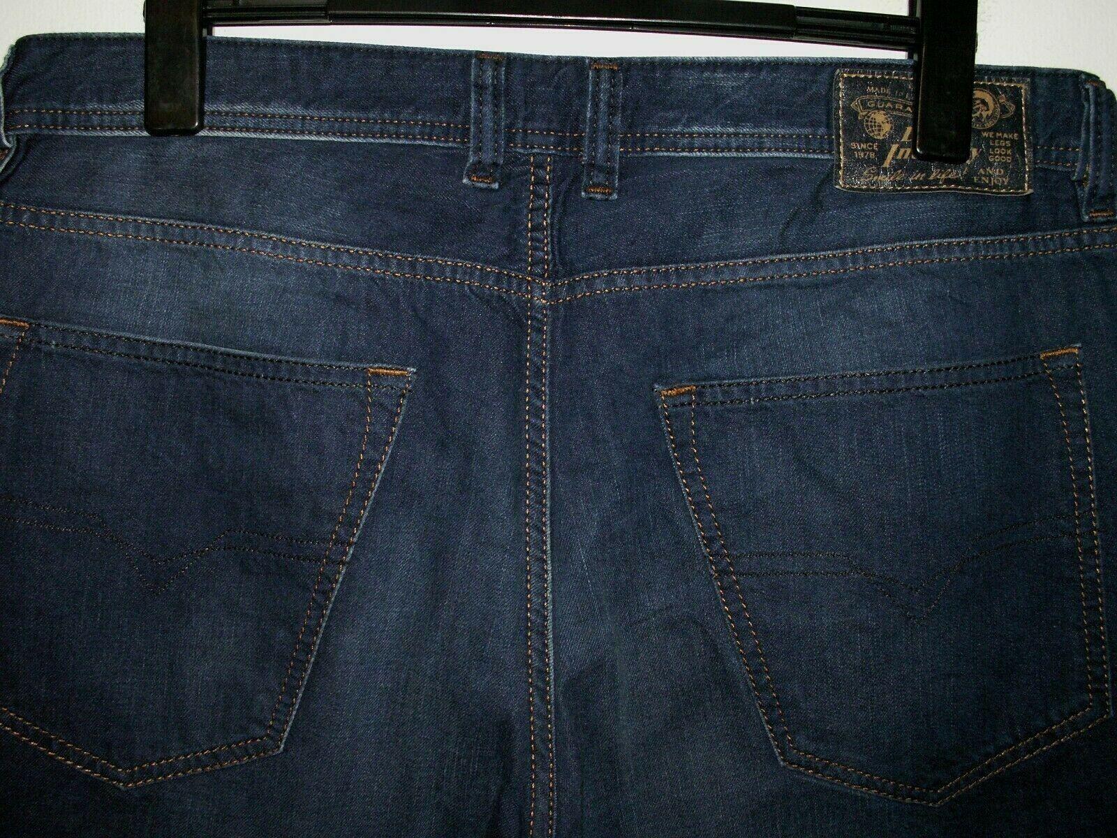 DIESEL Larkee-Rilassato Comfort-Fit Dritto Jeans Wash 0818N W36 L32 (a4591)
