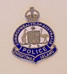 VINTAGE-CHRISTMAS-ISLAND-POLICE-FORCE-EMBROIDERED-PATCH-WOVEN-CLOTH-SEW-ON-BADGE