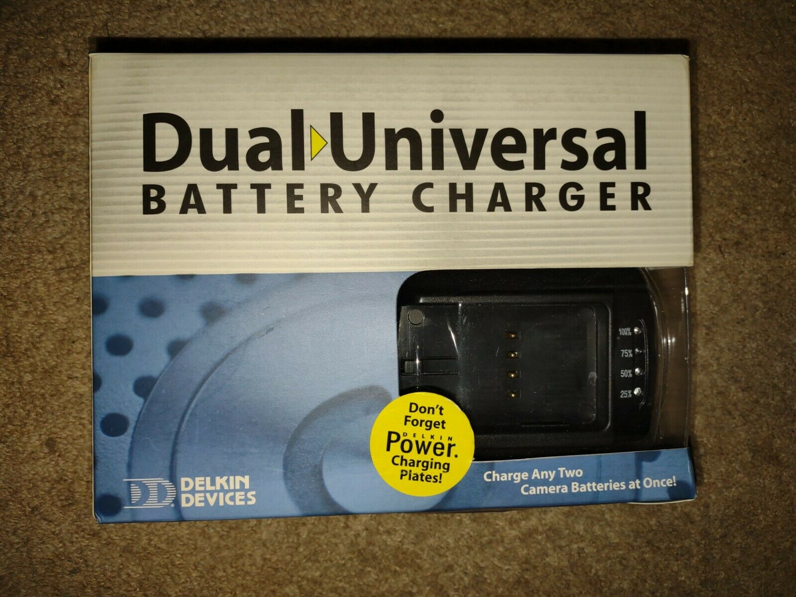 Delkin Dual Universal Camera/Camcorder Battery Charger with 2 Canon NB-4L plates