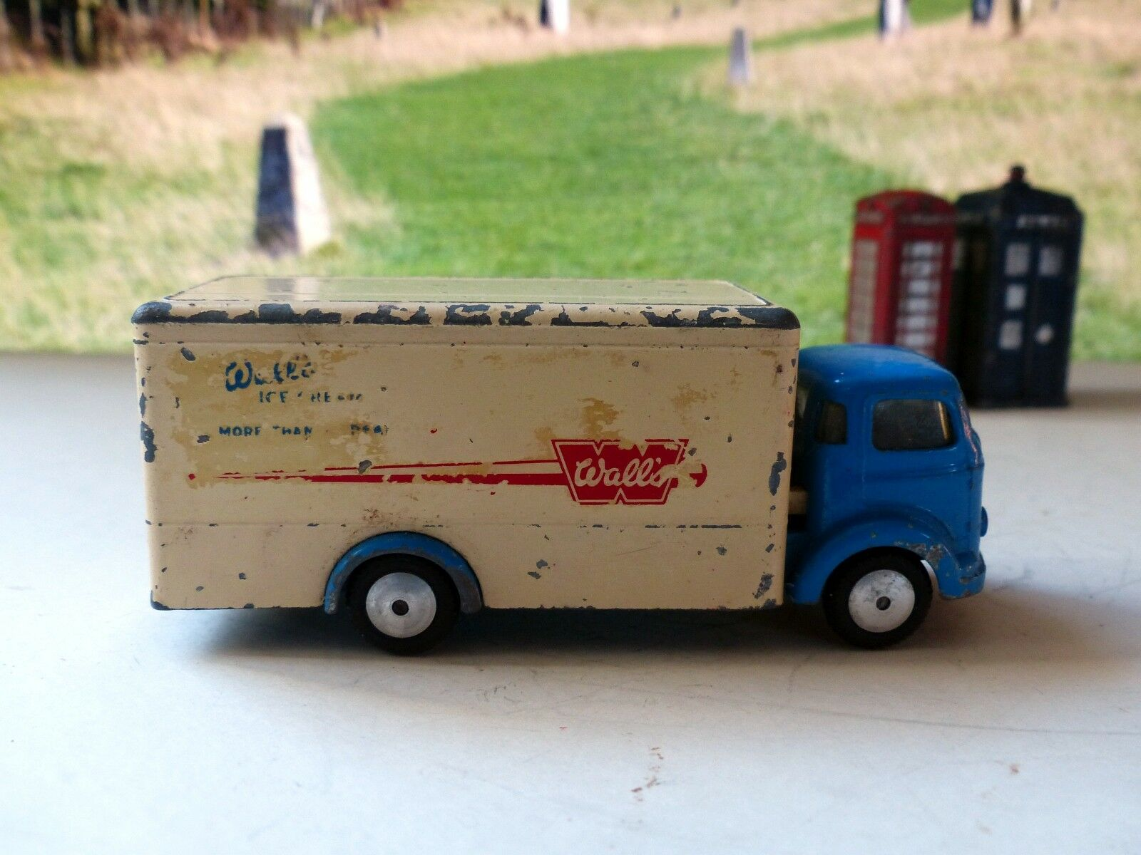 Corgi Toys 453 Commer 5 ton Walls Refrigerated Van