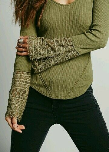 NEW   Free People JULIET Lace Cuff Thermal Long Sleeve Top. Größe XS