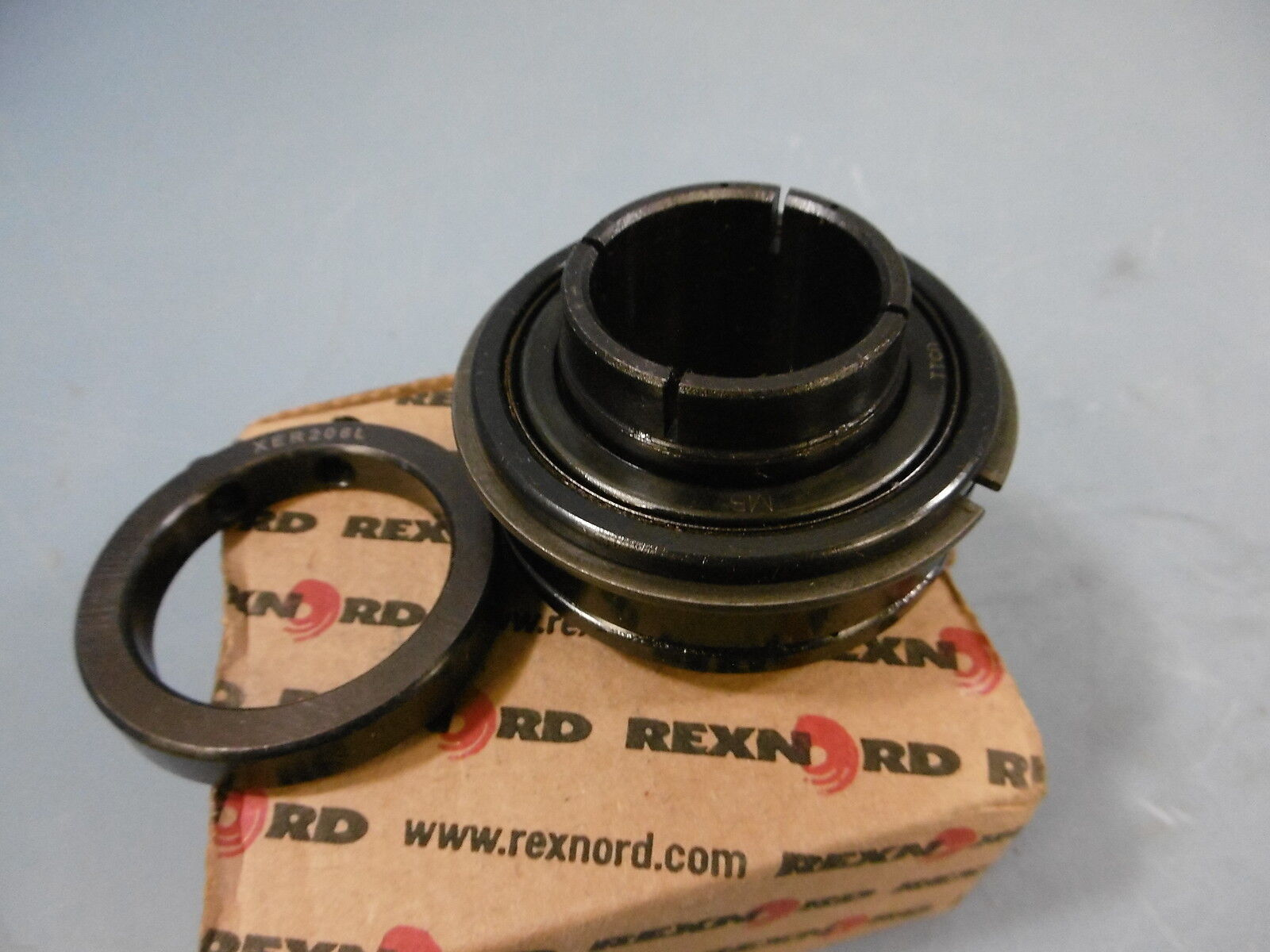 One Rexnord ER20SK Bearing & XER206L Collar New In Box