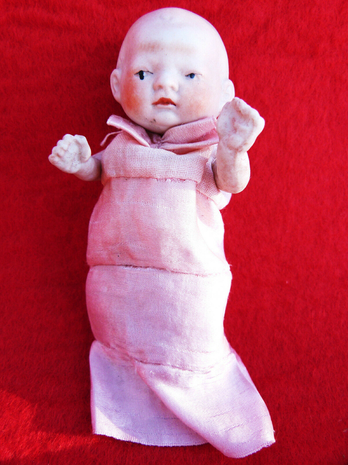 ANTIQUE DOLL BISQUE DOLL JAPAN PORCELAIN MINIATURE JOINTED DOLL