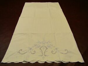 Vintage-Single-White-w-Blue-Embroidery-Madeira-Pillowcase-w-Scalloped-Edge-EUC