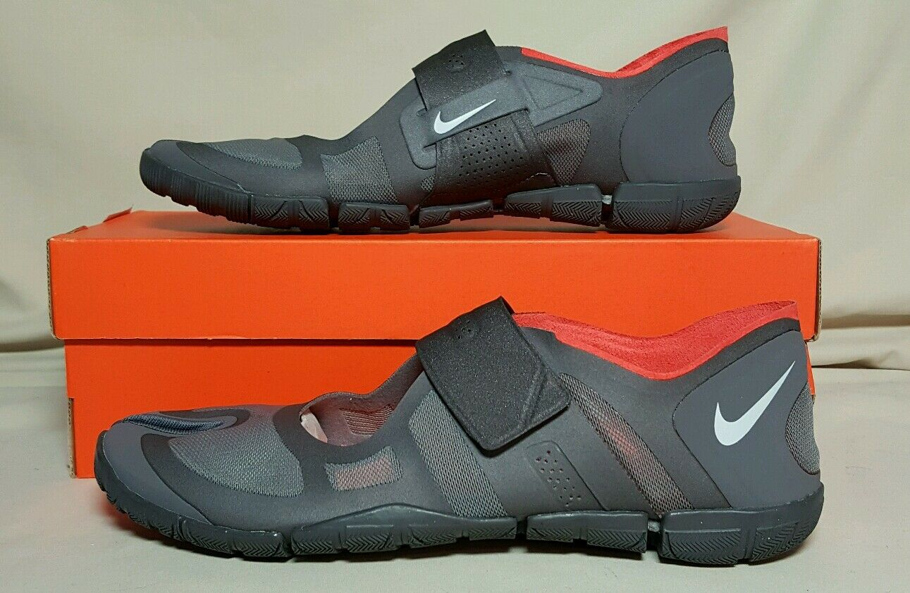 NIKE FREE GYM SPLIT TOE  WOMEN' S MULTIPLE SIZES NEW IN BOX GREY 487788 002