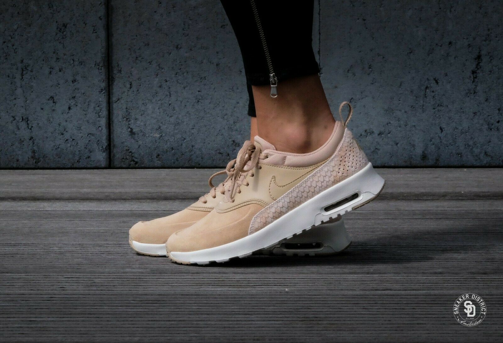 Détails sur Femme Nike Air Max Thea Premium Taille UK 3.5 beigeblanc (616723 203) afficher le titre d'origine