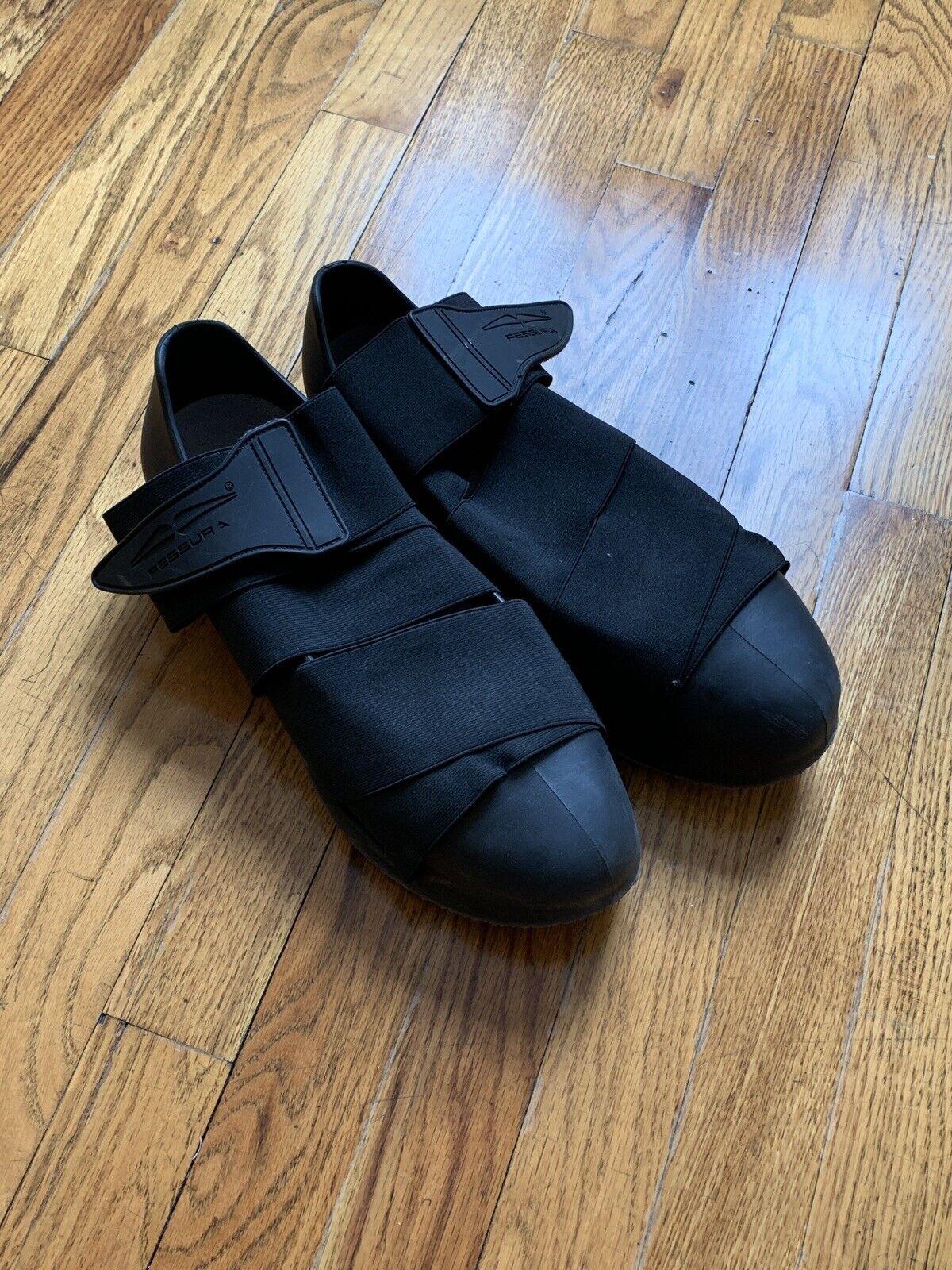 Fessura Size 43 Elastic Wrap Sneakers