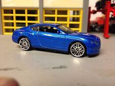 1/64 2014 Bentley Continental GT in Metallic Blue/Black Int-7 Spoke Alloy Wheels