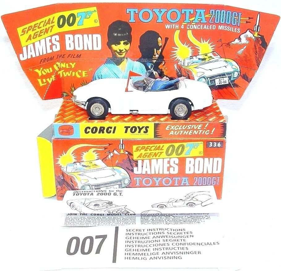 Corgi Toys 007 TOYOTA 2000 GT + JAMES BOND & AKI Figure + Repro Display Box MIB