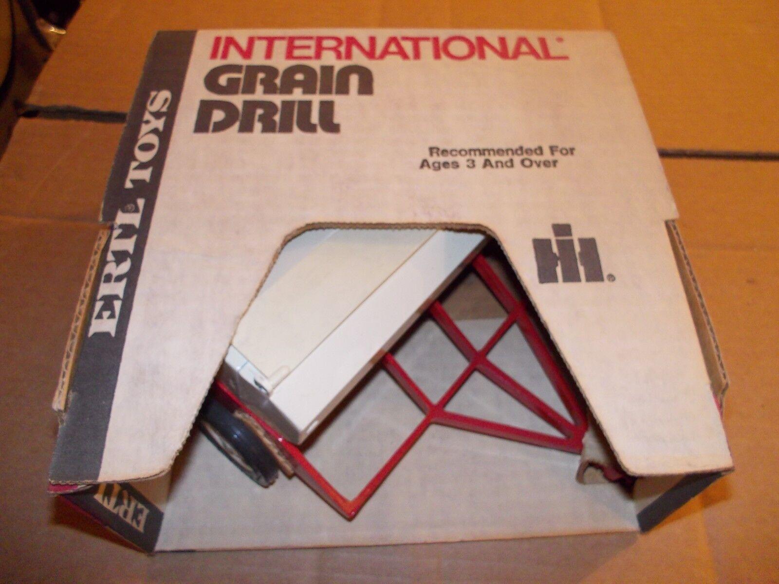 International IH drill 1 16 scale Vintage Ertl Co. NIB NW in Box 448