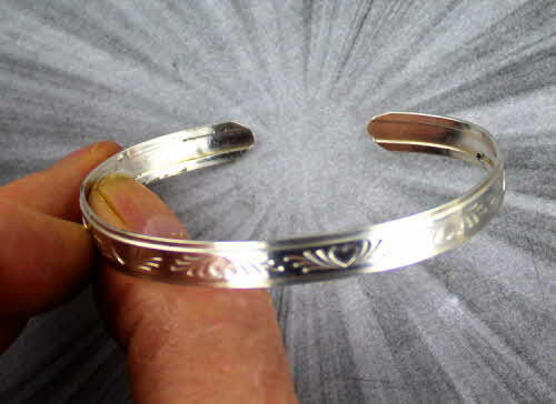 CUFF BRACELET  IN  STERLING SILVER ----- - HEARTS SIZE 5 TO 9