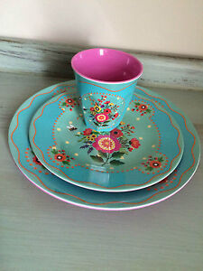 Gypsy-Floral-Melamine-Picnic-Party-Settings-by-Bombay-Duck-London