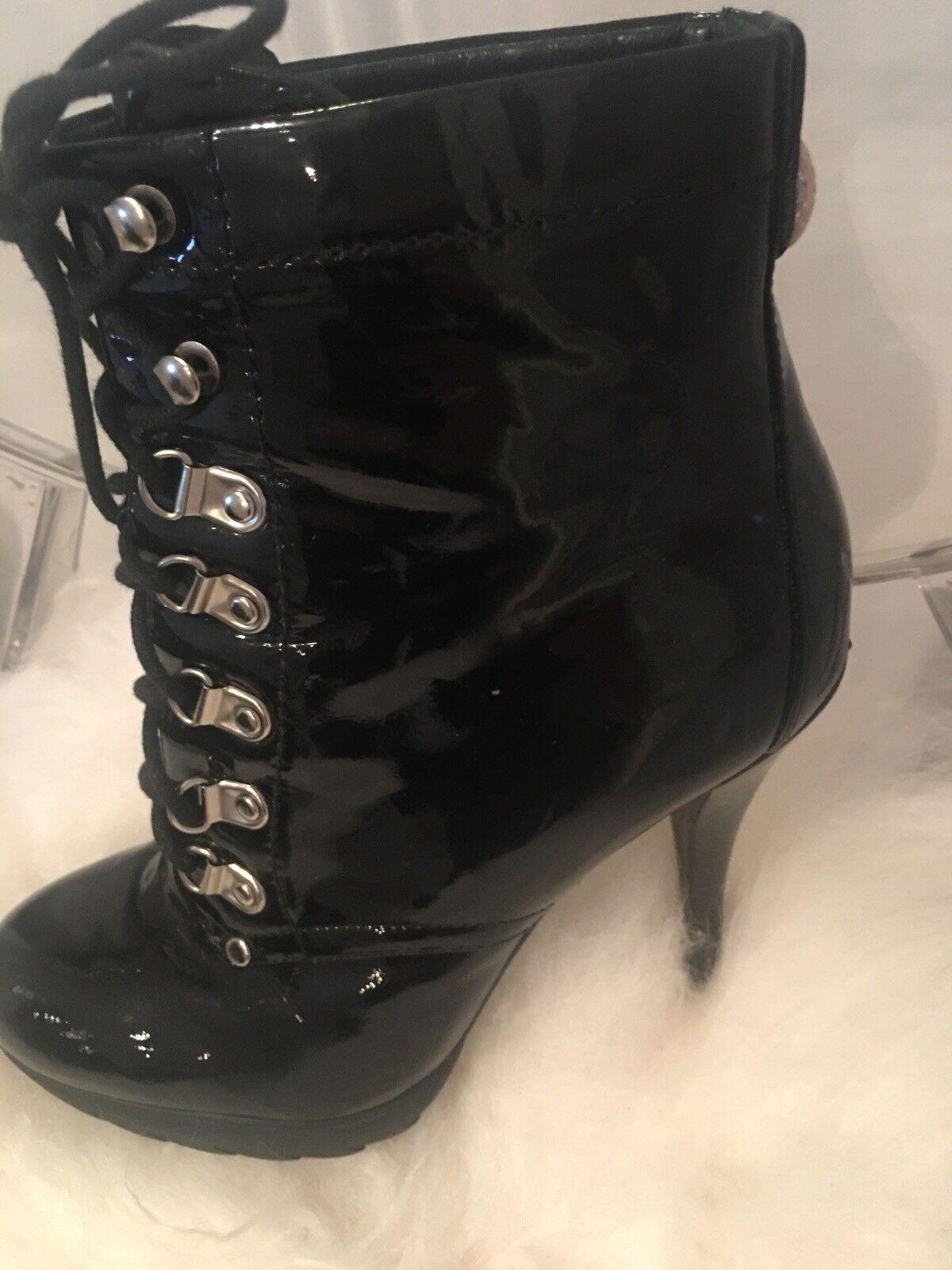 Preciosa Karen Millen Charol Negro Botas usado dos veces