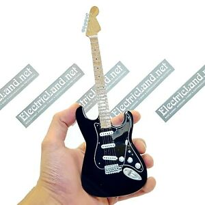 Mini-Guitar-scale-1-4-DAVID-GILMOUR-black-strat-pink-floyd-miniature-collectible