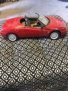Maisto SCALA 1/18 ALFA ROMEO SPIDER Rosso auto modello Diecast