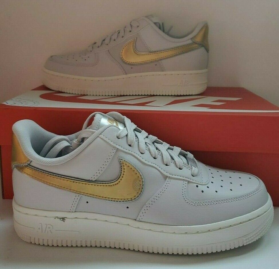 7 Women's Nike Air Force 1 '07 MTLC Gold SNEAKERS Ar0642 001 Vast Grey Casual