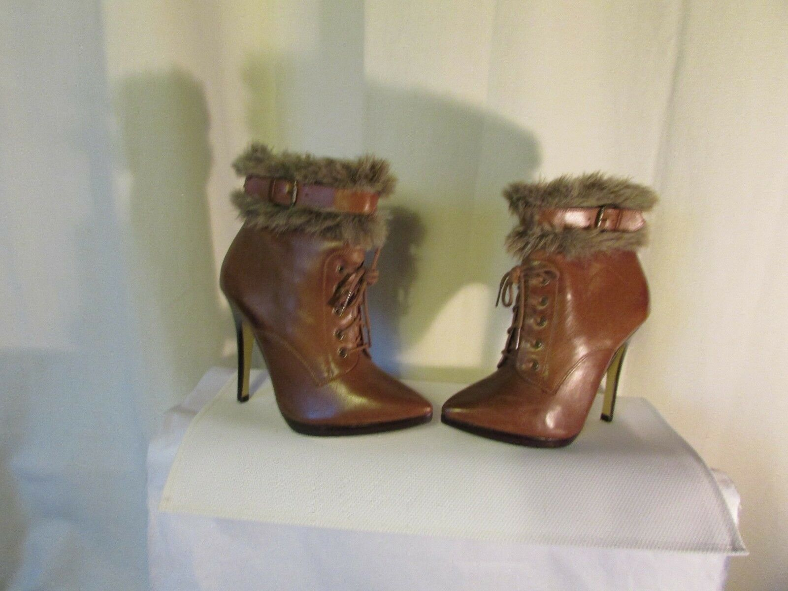 Bottines san marina cuir fauve pointure 38