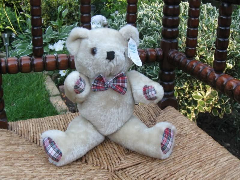 Hiddie Design Holland Teddy Bear w Tags