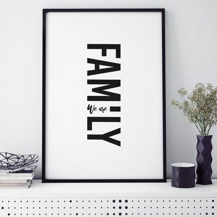 JUNIWORDS Poster mit Rahmen  We are Family  Geschenk Geburtstag DIN A4 A3 A2 A1