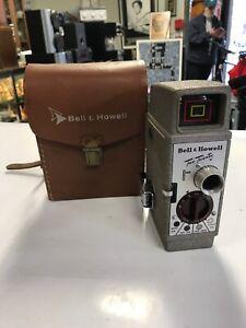 Vintage-Bell-amp-Howell-Two-Twenty-8mm-Movie-Film-Camera-Case