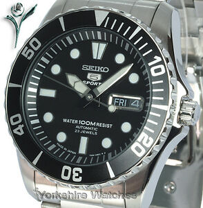 NEW-SEIKO-AUTO-100m-DIVERS-STYLE-With-STAINLESS-STEEL-BRACELET-SNZF17J1