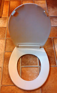 Beneke Solid Plastic Round Front Toilet Seat 420