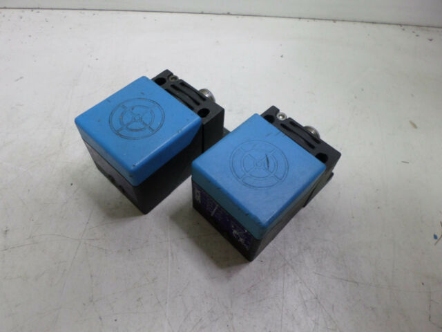 SICK PROXIMITY SWITCH - Qty of 2 - IQ40-35NPP-KCK -- M12 Plug 35mm sense 6012015