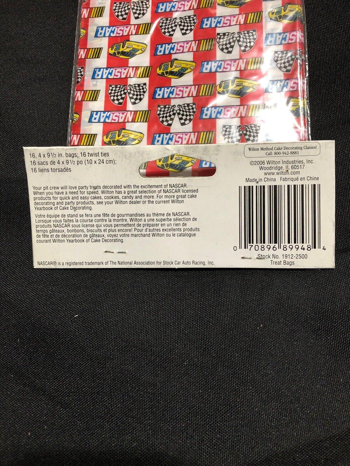 """Wilton Nascar Party Loot bags treat sacks 32 bags 4/"""" x 9 1//2/"""" w//twist ties"""