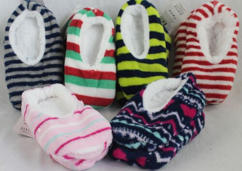 NEW 4 Pair Pack Gertex Kids Slippers Size S//M Colors//Patterns Vary