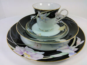 """MIKASA """"CHARISMA BLACK"""" Fine China - Service for 13 and Serving Pieces (69 pcs)"""