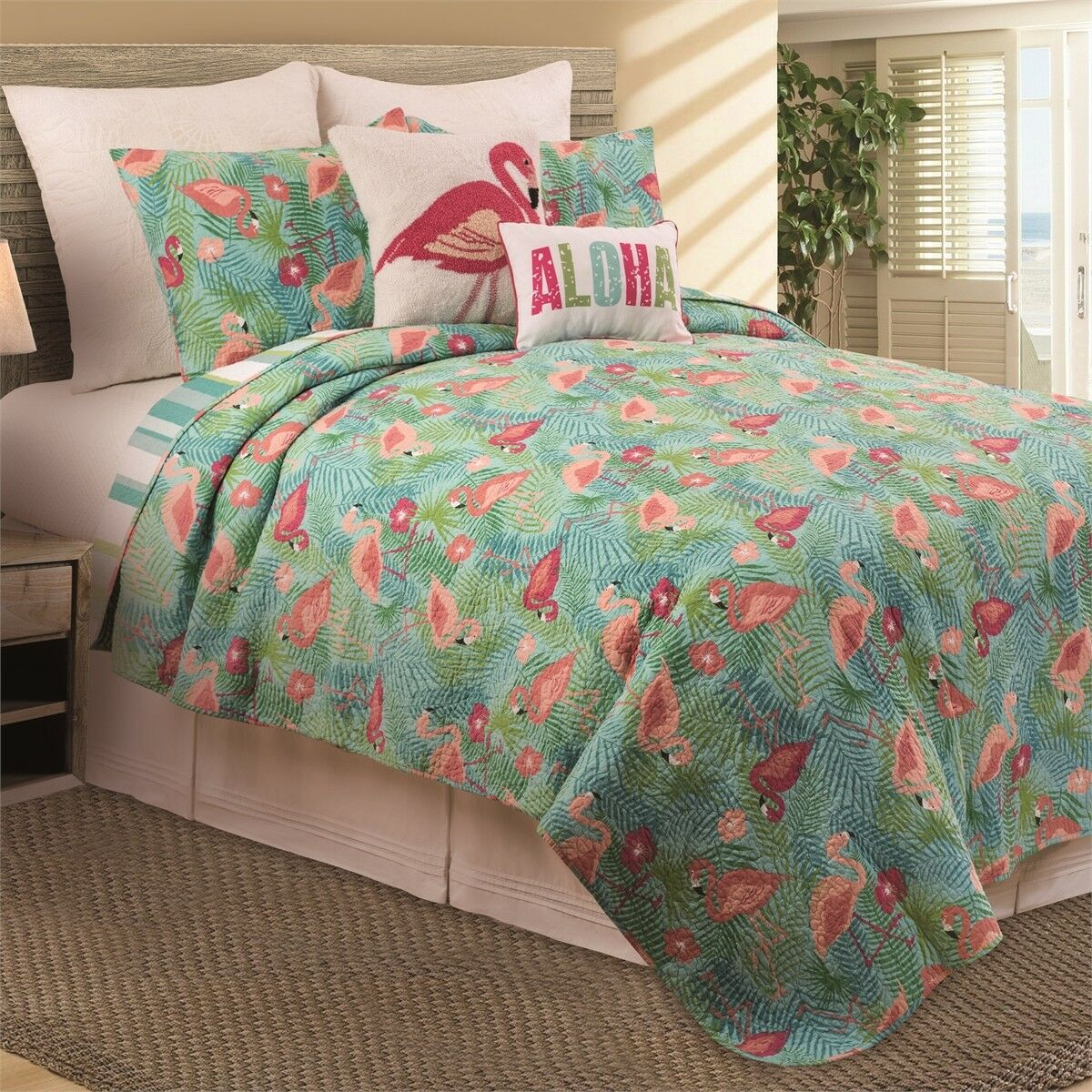 Isla Tropics Queen Quilt 3 Pc Set Vibrant colors Pink Flamingos Quilt + 2 Shams