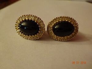 VINTAGE-CLIP-ON-EARRINGS-BLACK-STONE-WITH-RHINESTONES-SPARKLY-ESTATE