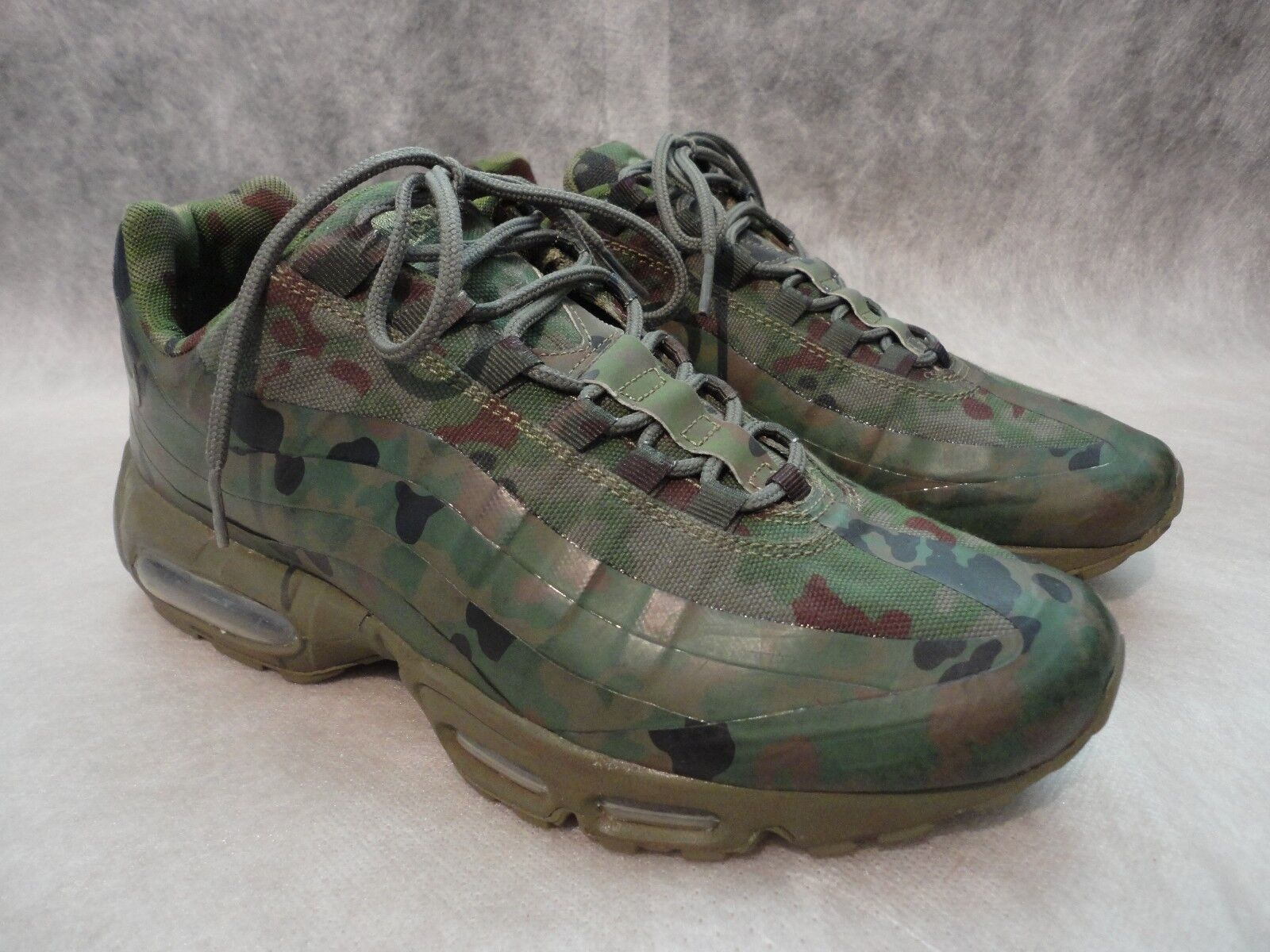 NIKE AIR MAX 95 Olive verde Camo Japan SP 634775-220 Release 2013 sz 9 Trainers
