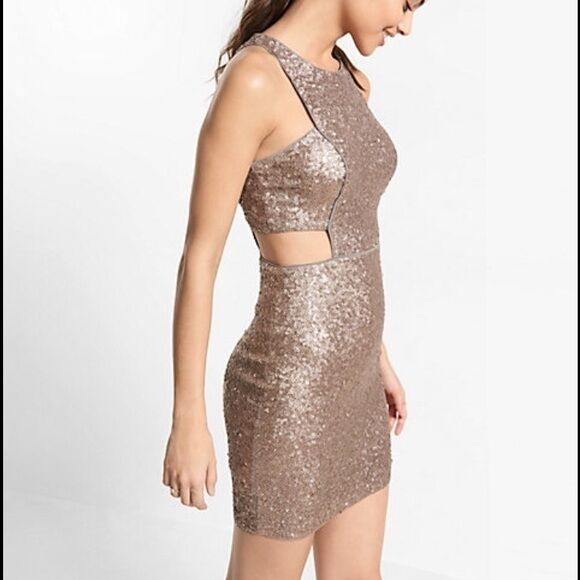 Express gold Sequin Cut Out Party Dress SZ 8  128 NEW  SUPER SEXY  SOLD OUT