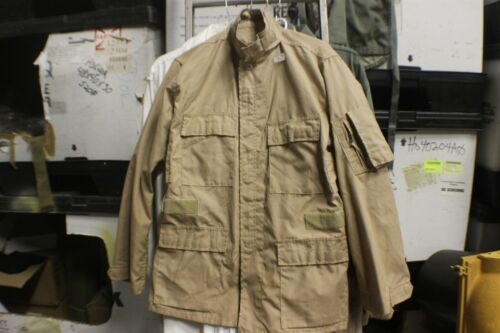 TAN KHAKI MILITARY ISSUE FIELD SHIRTS ZIPPERS /& VELCROW LITE USE SZ SMALL REG
