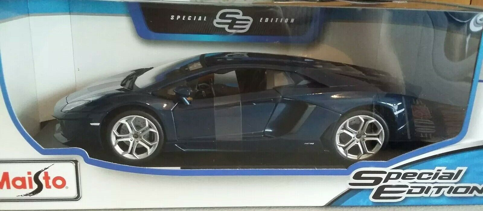 Maisto 1 18 LAMBORGHINI AVENTADOR COUPE bluee Special Edition die Cast Model Car