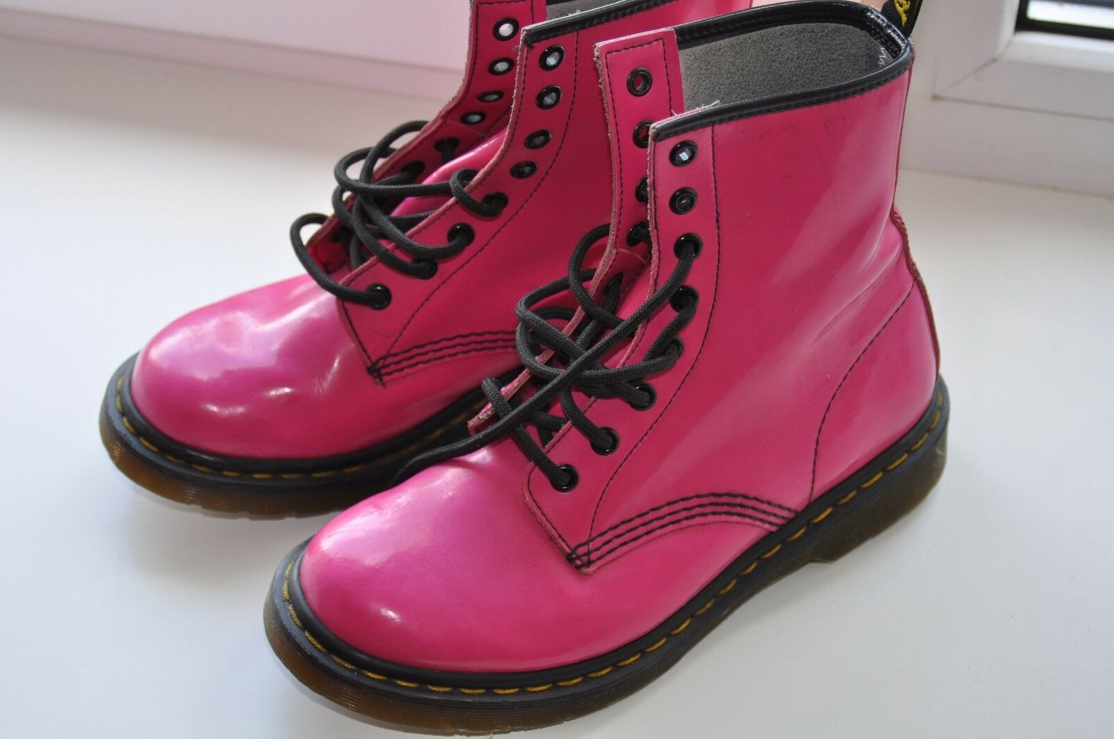 Dr Martens 1460 Womens Pink Patent Leather Size EU38/US7 Lace Up