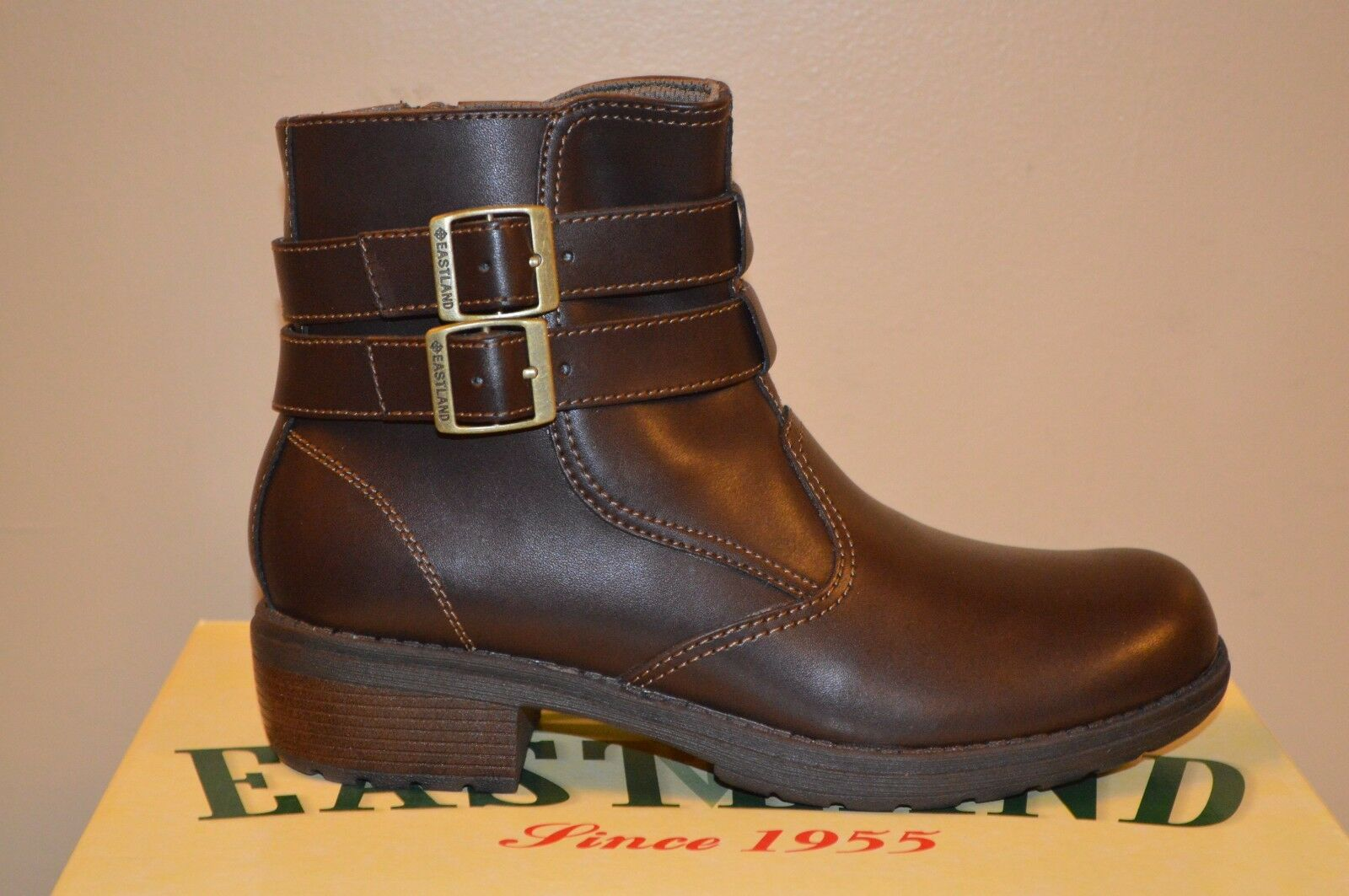 Eastland Brown Leather Women Zipper Ankle Boots Size 8