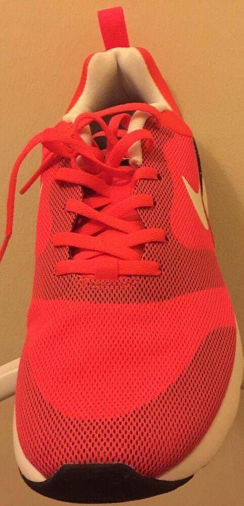 Nike Wmns Air Max Sirène Taille 7.5 Entièrement neuf dans sa boîte-
