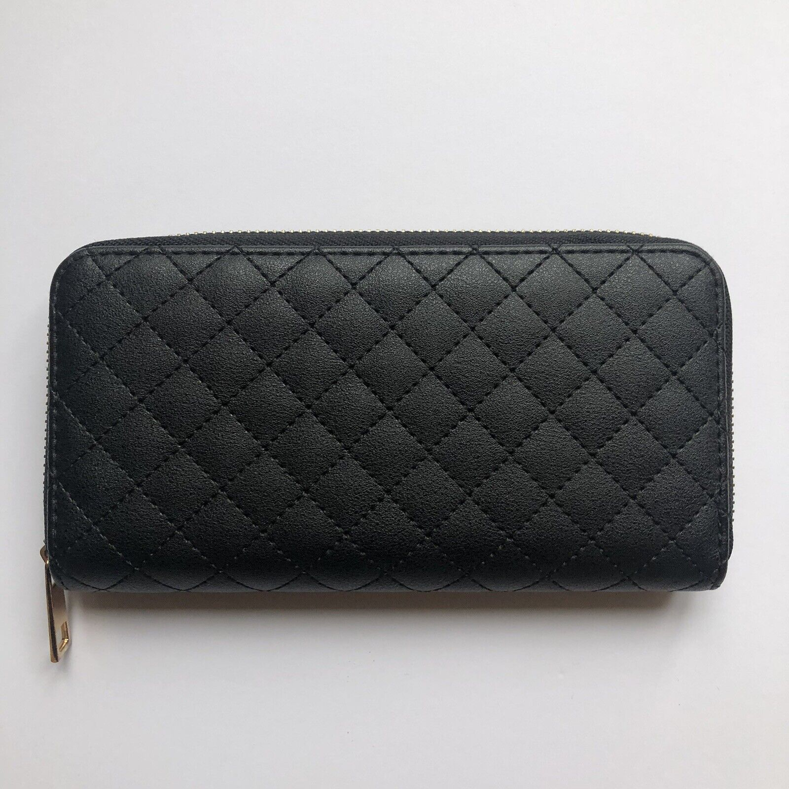 Nearly New Black New Look Purse!! Great Quality!