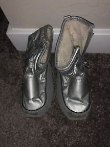 0e28d1e6e Details about Gap Toddler Girl Sz8 Silver Sherpa Lined Snow/winter Boots