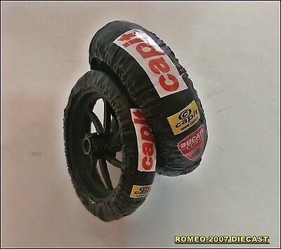 1:12 Tire Warmers Termocoperte Valentino Rossi Ducati GP 2011 Set to minichamps