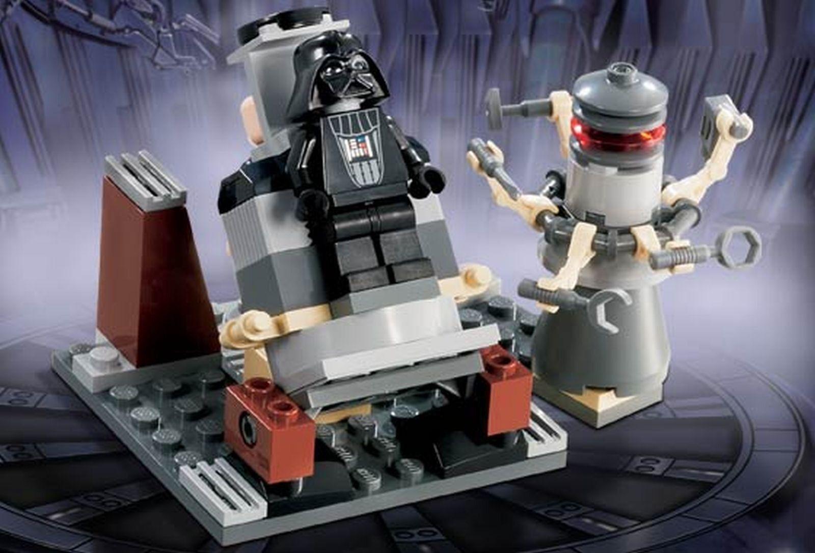 LEGO 7251 Darth Vader Transformation includes 3 Minifigures Complete
