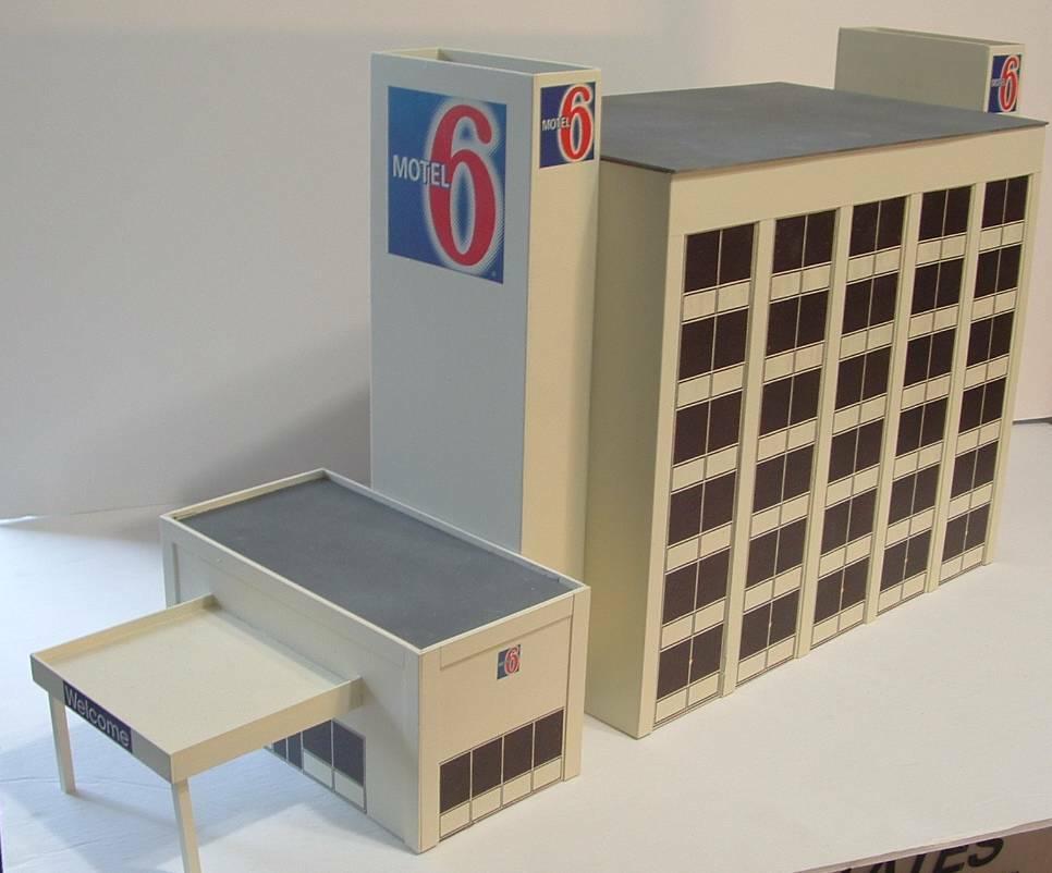 Ho motel 6 hotel Ho